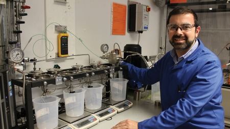 New nanoporous metal foams uses sunlight to clean up water